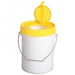 Plano 8-Quart Bait Bucket