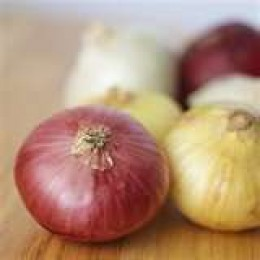 Purple, white and sweet onions.