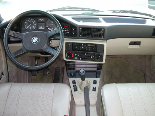 The creme and black combination was a particularly endearing feature, as was the high-grade leather used. However like all BMW interiors of this period, it is particularly sensitive to sun.
