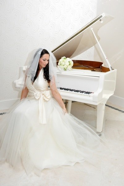 A wedding pianist can play your favourite music on the piano.