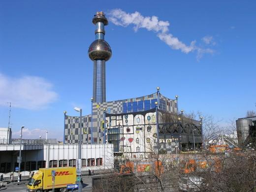 Mllverbrennungsanlage Spittelau  thermal waste treatment facility redesigned by Hundertwasser after a fire, Vienna, Austria