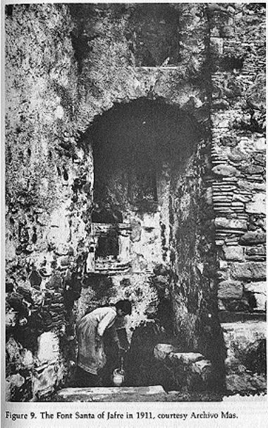 Grotto of the sacred spring, 1911. Archivo Mas Printed in W A Christian junior's book.