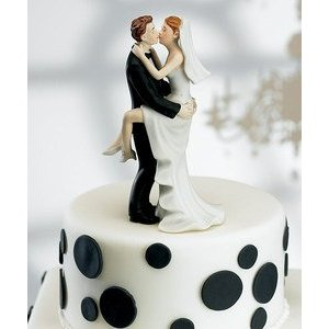 Your wedding cake can help create the atmosphere for your wedding reception.