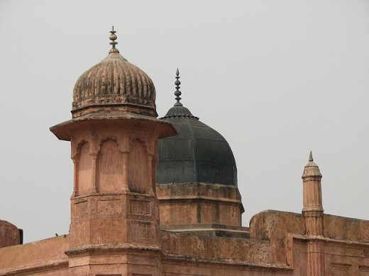 Dome of Pari Bibi's tomb