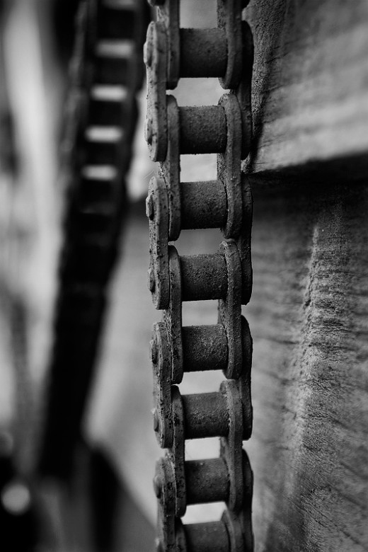 This Rusty Chain turned out to be much more interesting as a Macro Photo than it was as part of a larger area still life photo.