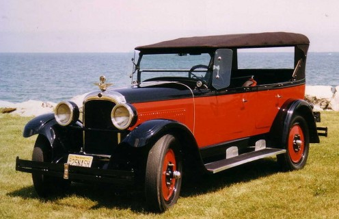 I love these Classics.  This is a 1925 Nash.  Photo in the public domain.