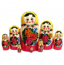 Stacking dolls to teach size and order