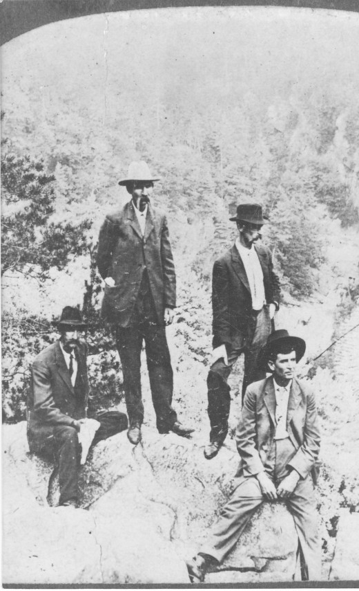 Lavada Washington Hunt, Castro Alpine Hunt, Cortez Oconne Hunt, Robert Lee Pearman. The Hunt brothers mother was Rhoda Pearman Hunt. These are 1st cousins. The Hunts are from Apple Valley, Jackson Co. GA.
