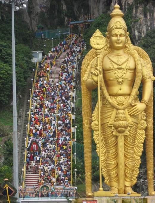 THAIPUSAM FESTIVAL BATU CAVES MURUGAN Temple Malaysia