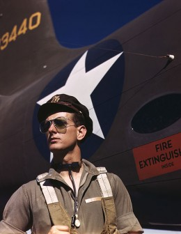 A military pilot wearing Ray-Ban Aviators in the 1940'