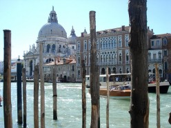 Why do so many people dream of living in Italy?