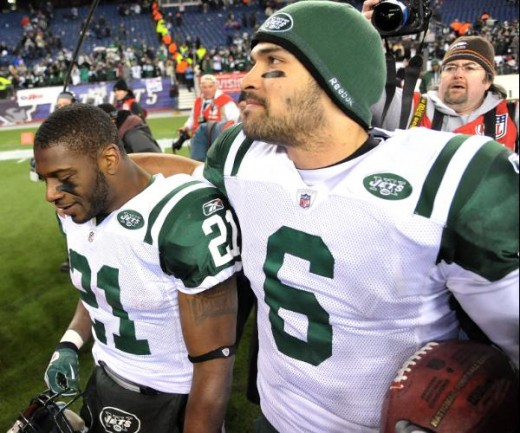LaDainian Tomlinson and Mark Sanchez (Kirby Lee/NFL)