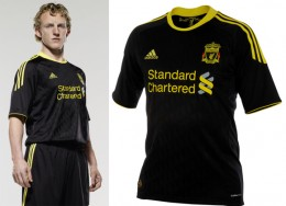 Dirk Kuyt In Liverpool 3rd Kit For 2010-2011