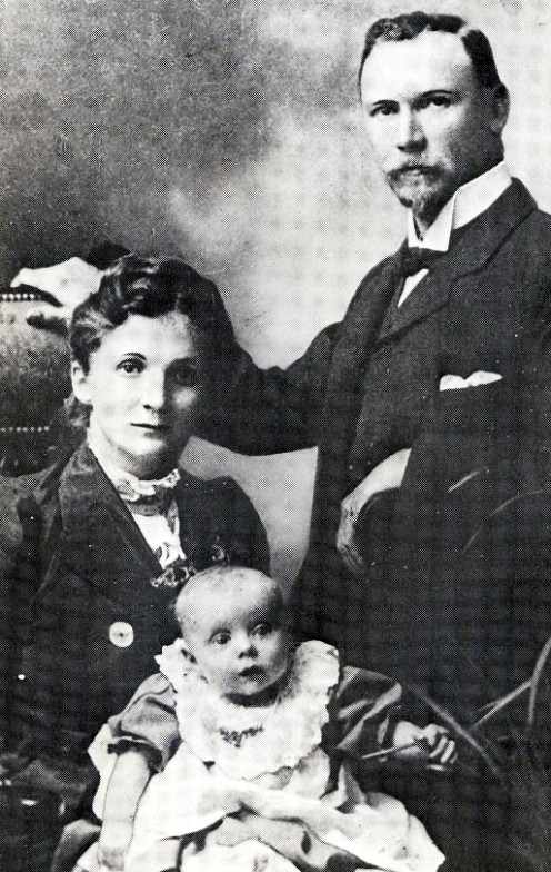 Isie and Smuts with their daughter Santa. Image Smuts House Museum