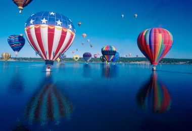 Ballooning on Valentines Day says is romantic, different and not for the faint hearted (pun).