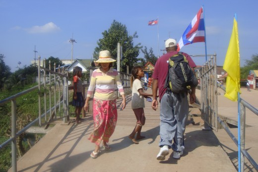 ...as I and others walked back and forth on the bridge in the little area between the Thai immigration and Cambodian immigration.