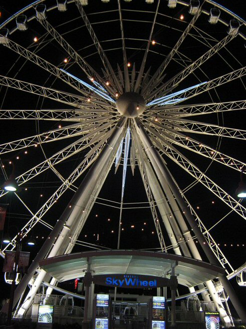 The Sky Wheel in Niagara Falls, Ontario.  Traveling in the off-season is a great way to travel on a budget.