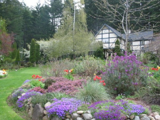 Liatris and heather in the purple border surround the putting green for visiting golfers at this hotel near Victoria, Canada.
