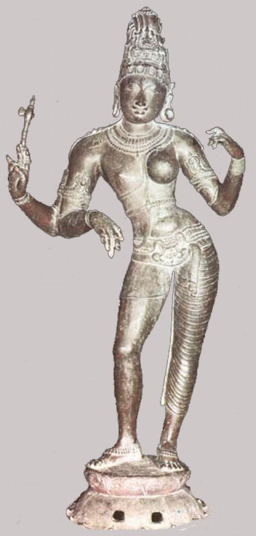 Chola de bronce del siglo 11.  Shiva en forma de Ardhanárlsvara.
