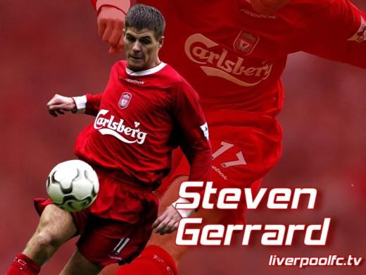 Steven Gerrard Wallpaper - Steven Gerrard Driving Forward And Controlling The Ball