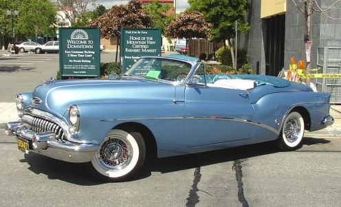 1953 Buick Roadmaster Skylark Series 70 Model 76X 2-door Convertible Coupe. PD, public domain. Photo by John D. Love, 4/26/03, Mountain View, California. Released into public domain.