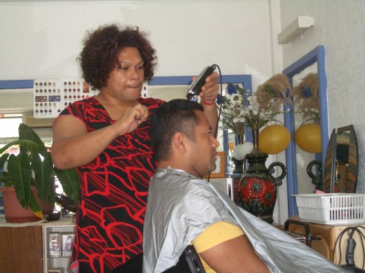 Is every hairdresser in Tonga a fakaleiti? No, just the good ones!