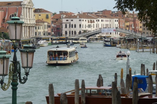 A lot of boat traffic on the Grand Canal.
