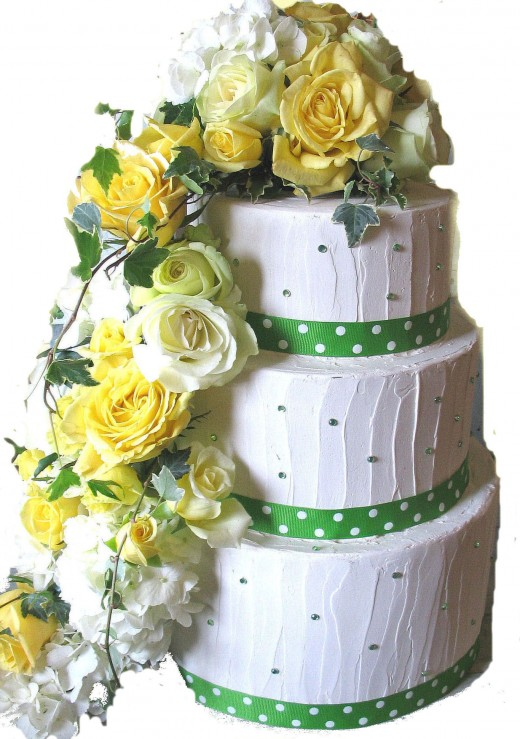 A definite yellow, green and polka dot theme for this wedding shower.