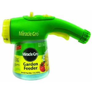 Miracle-Gro 100410 Lawn and Garden Feeder