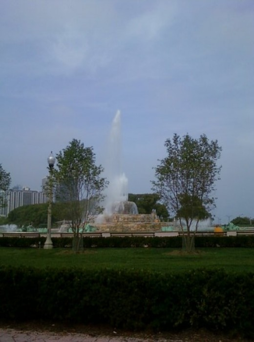 Buckingham Fountain, Downtown Chicago, Illinois