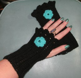 Fingerless gloves appeal to people of any age or style.