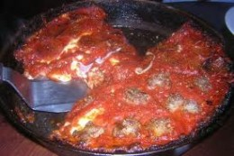 Pequod's deep dish pizza with its carmelized crust.