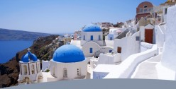 Santorini: Swimming, Sightseeing and Dining