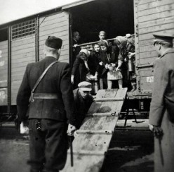 Jews being deported form France. Image from http://mally-gildedbutterflies.blogspot.com/