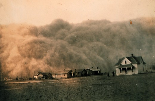 a dust storm approaching Stratford, Texas in 1935
