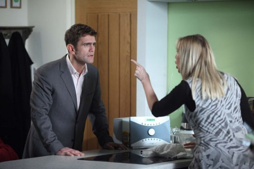 prompting Jack to confront Ronnie about the photo and the lies she has told