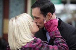 Ronnie then spies Roxy and Michael kissing