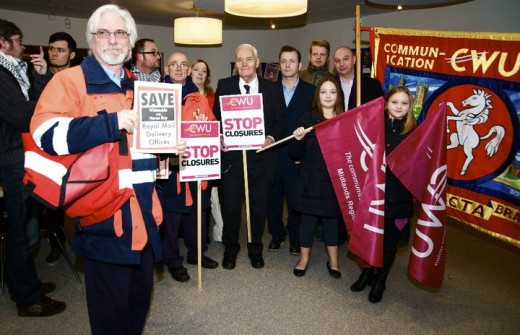 Members of the Stop the Closures! campaign meet Tony Benn in Canterbury.
