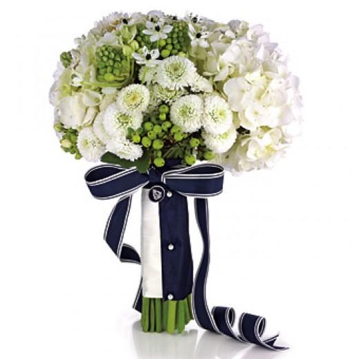 NAUTICAL THEME WEDDING FLOWER IDEAS