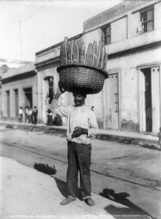 Bread man Havana 1904 Att By Detroit Publishing Co. [Public domain], via Wikimedia Commons