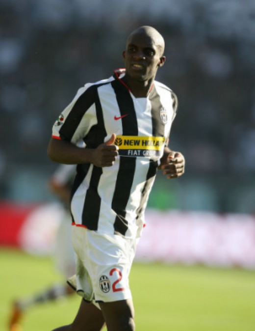 Malian Midfield Player Momo Sissoko, a tough player with excellent strength and athletic skills.
