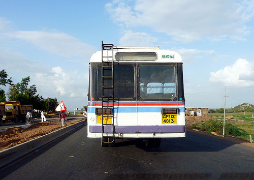 Nandyal Bus, by Remusse