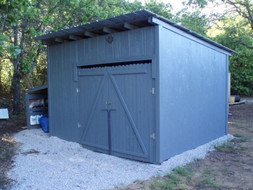 Butch Bridges of Lone Grove OK built this shed out of wood pallets!