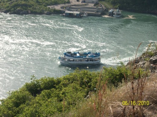 A Boatride in the Niagaras!