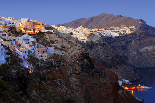 If you want to visit beautiful Santorini then you must know how to reach it