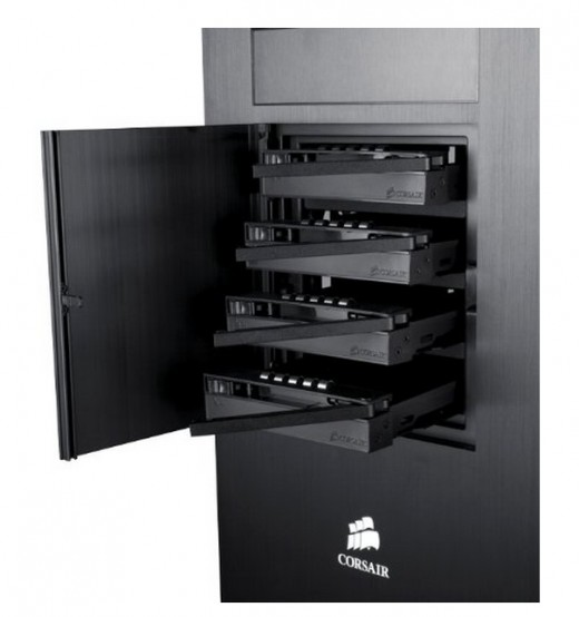 Manufacturer: Four easily accessed hot-swap drive bays make swapping hard drives a breeze