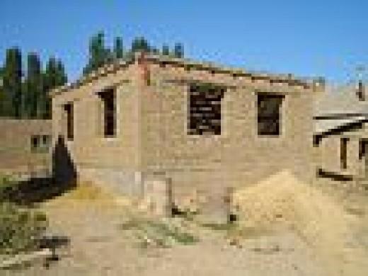 Milyanfen adobe brick house 8040