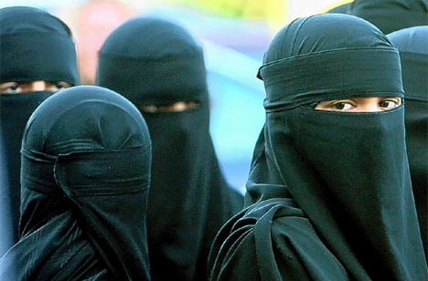 Imagine all women in America dressed like this.
