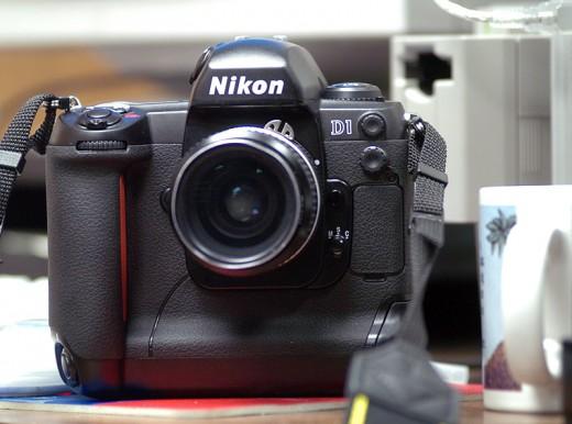 Nikon D1