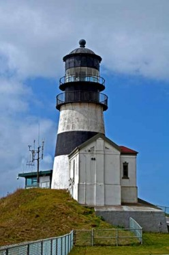 Travel - The Two Lighthouses of South Washington State